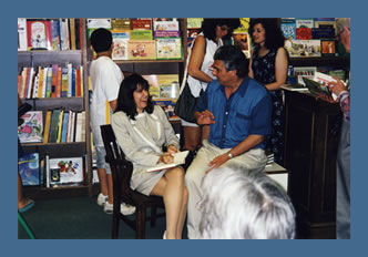 Robin at a booksigning